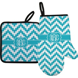 Pixelated Chevron Oven Mitt & Pot Holder Set w/ Monogram