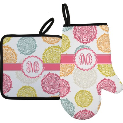 Doily Pattern Oven Mitt & Pot Holder (Personalized)