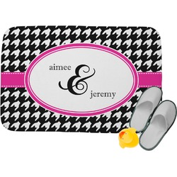 Houndstooth w/Pink Accent Memory Foam Bath Mat (Personalized)