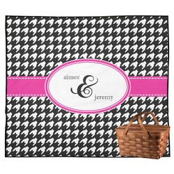 Houndstooth w/Pink Accent Outdoor Picnic Blanket (Personalized)