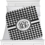 Houndstooth Minky Blanket (Personalized)